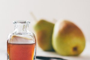 Pear and vanilla cordial