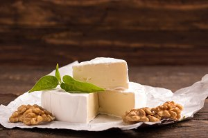 camembert cheese with nuts