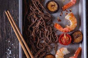Soba noodles and shrimps