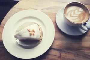 Latte coffee&coconut cream pie