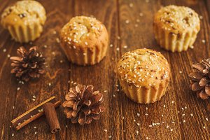 Light muffins with sesame and cinnam
