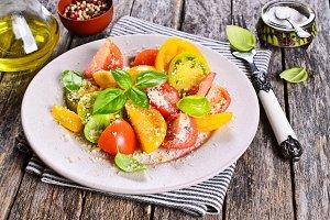 Salad of tomato