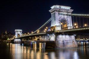 The view of Chain bridge at night
