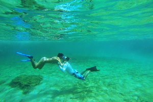 Kissing under the water