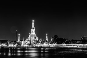 Black and white of Wat arun also cal