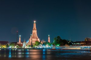 Wat arun also call temple of dawn