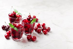 Sweet cherry jelly