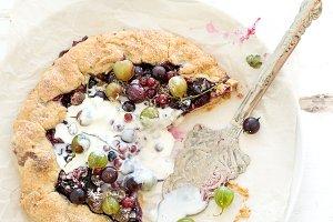 Galette pie with garden berries