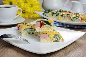 Vegetable omelet with spinach