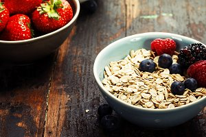 cereals and fresh berries