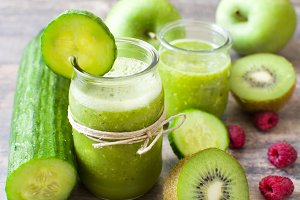 Green smoothie with cucumber