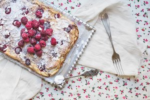 Raspberry cottage cheese cake