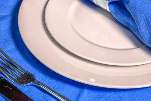 Table setting in blue