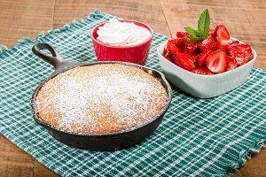 Skillet cake and strawberry desert