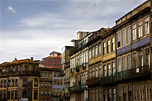 buildings and architecture in Porto