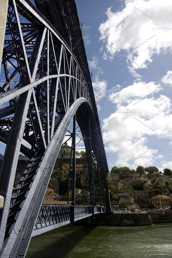 D. Luis I bridge in Oporto, Portugal - Architecture