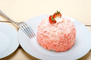 fresh strawberry and cream cake 004.jpg