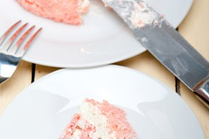 fresh strawberry and cream cake 025.jpg