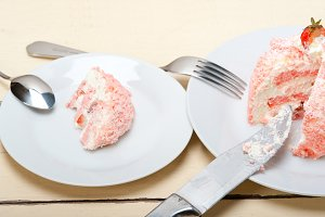 fresh strawberry and cream cake 026.jpg