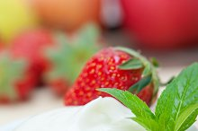 Greek organic yogurt and  strawberries 012.jpg