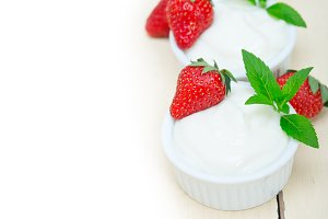 Greek organic yogurt and  strawberries 037.jpg