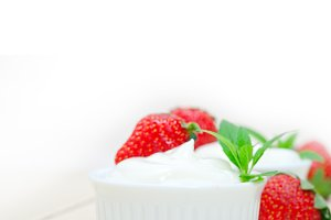 Greek organic yogurt and  strawberries 040.jpg