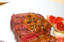 green peppercorn sauce  filet mignon 001.jpg