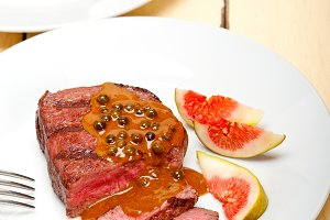 green peppercorn sauce  filet mignon 004.jpg