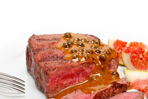 green peppercorn sauce  filet mignon 008.jpg