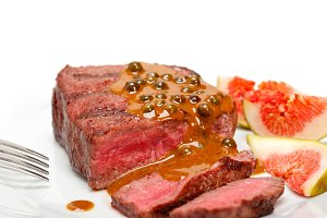 green peppercorn sauce  filet mignon 009.jpg