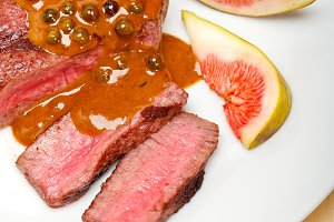 green peppercorn sauce  filet mignon 015.jpg
