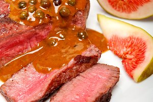 green peppercorn sauce  filet mignon 016.jpg