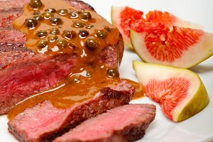 green peppercorn sauce  filet mignon 017.jpg