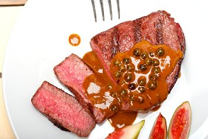 green peppercorn sauce  filet mignon 019.jpg
