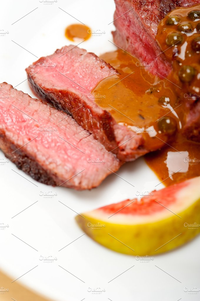 green peppercorn sauce filet mignon 022.jpg - Food & Drink