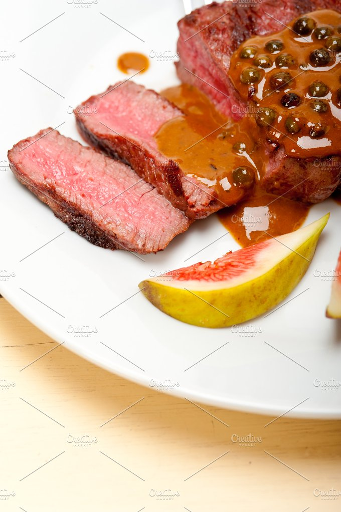 green peppercorn sauce filet mignon 023.jpg - Food & Drink