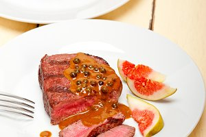 green peppercorn sauce  filet mignon 026.jpg