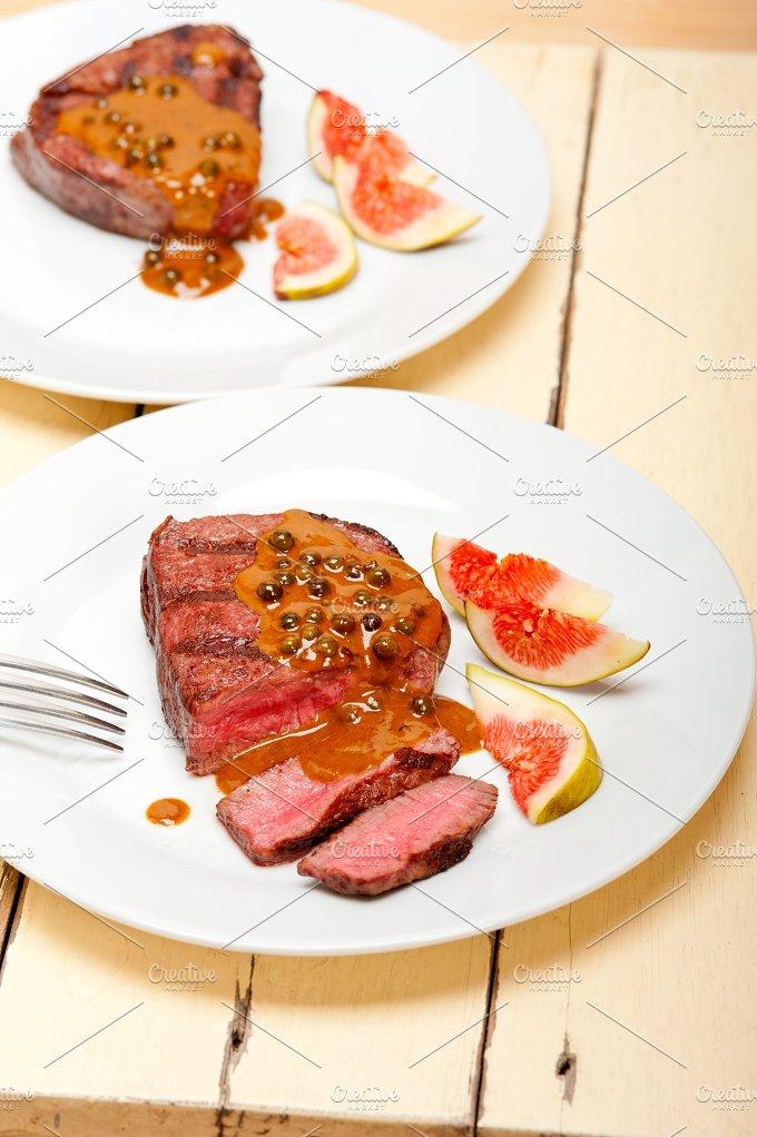 green peppercorn sauce filet mignon 026.jpg - Food & Drink