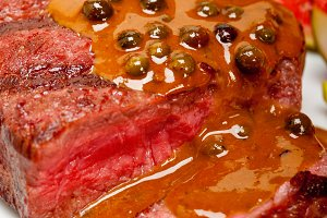 green peppercorn sauce  filet mignon 027.jpg