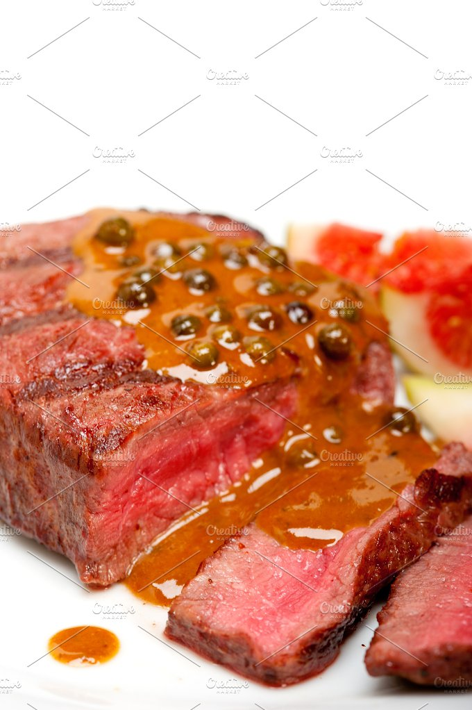 green peppercorn sauce filet mignon 028.jpg - Food & Drink