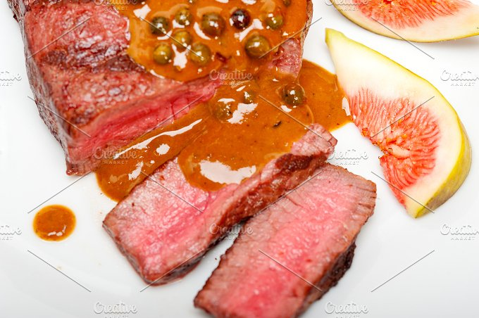 green peppercorn sauce filet mignon 029.jpg - Food & Drink