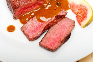 green peppercorn sauce  filet mignon 030.jpg