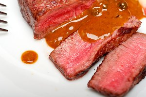 green peppercorn sauce  filet mignon 031.jpg