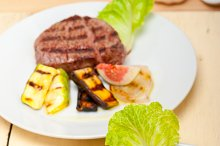 grilled beef filet mignon 002.jpg