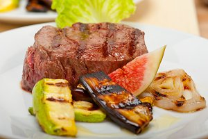 grilled beef filet mignon 007.jpg