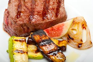 grilled beef filet mignon 009.jpg