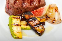 grilled beef filet mignon 010.jpg