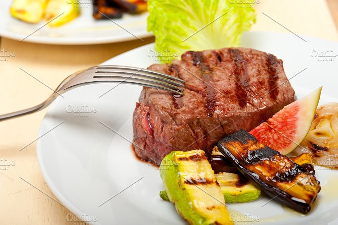 grilled beef filet mignon 011.jpg - Food & Drink