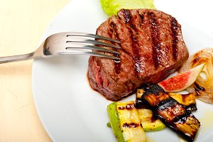 grilled beef filet mignon 012.jpg