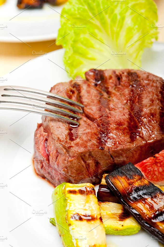 grilled beef filet mignon 014.jpg - Food & Drink